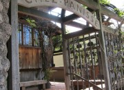 chez-panisse-entrance